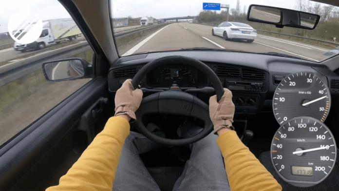 golfi-i-prodhuar-para-26-vitesh-dhe-qe-ka-kaluar-nje-milion-kilometra,-tregon-fuqine-e-frikshme-ne-autostraden-gjermane