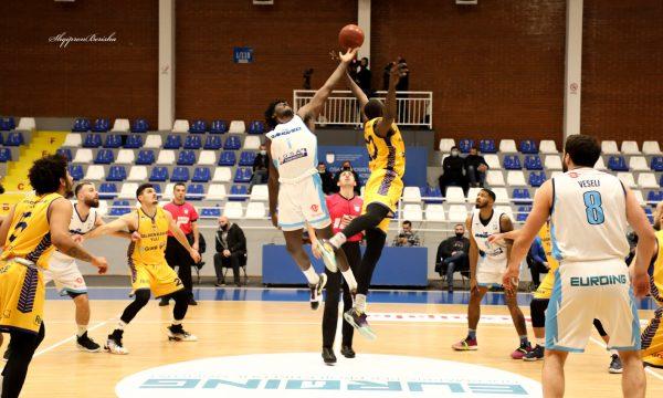 sot-luhen-gjysmefinalet-e-play-offit-ne-basketboll