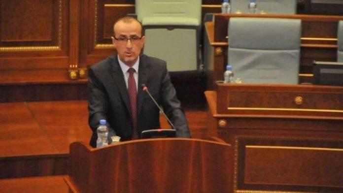 haxhiu:-shqiperia-te-hape-nje-pike-vaksinimi-per-kosovaret,-qeveria-jone-ka-deshtuar