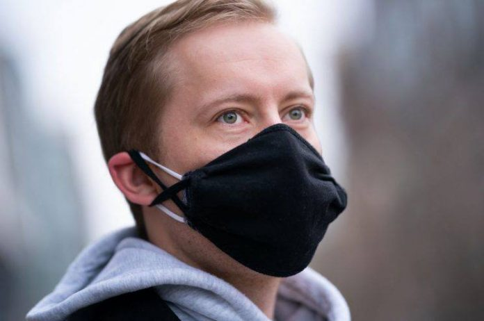 flasin-ekspertet:-eshte-koha-te-perdorni-dy-maska