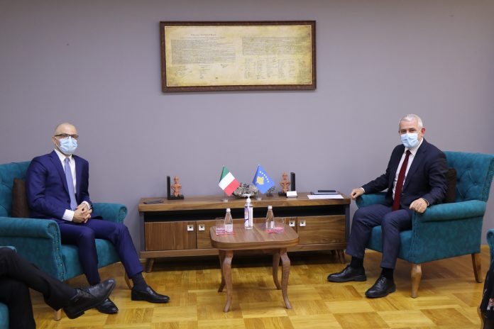 svecla-takohet-me-ambasadorin-italian,-e-njofton-per-prioritetet-e-mpb-se