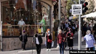 izraeli-shfuqizon-masen-per-vendosje-te-maskes-ne-ambiente-te-jashtme