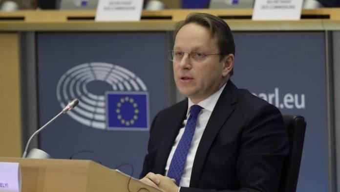 komisari-evropian-per-zgjerim-vjen-ne-ballkan,-te-merkuren-viziton-kosoven