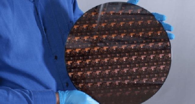krijohet-mikrocipi-me-i-vogel-dhe-me-i-fuqishem-ne-bote