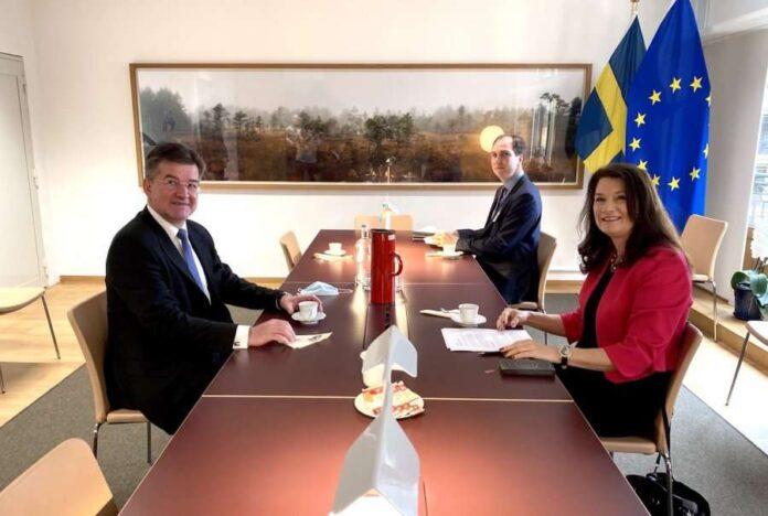 ministrja-e-jashtme-e-suedise:-kosova-dhe-serbia-duhet-ta-bejne-prioritet-dialogun