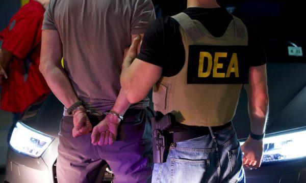 agjencia-amerikane,-dea-deklarohet-per-aksionin-e-kapjes-se-400-kg-droge-ne-lipjan