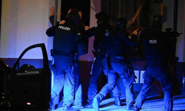 sulmi-terrorist-ne-vjene,-16-vjecari-i-dyshuar-nga-kosova-lirohet-nga-paraburgimi