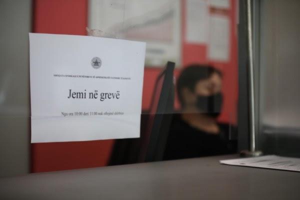 punetoret-e-atk-se-ultimatum-qeverise