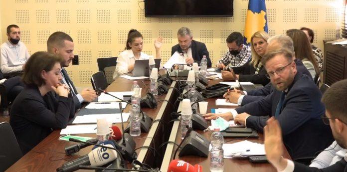ministra-gervalla-thote-se-50%-e-ambasadoreve-do-te-jene-diplomate-karriere
