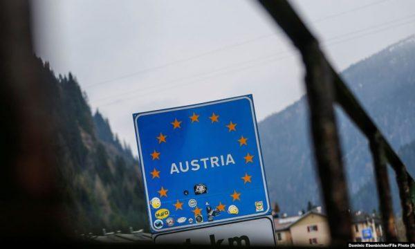 austri:-kosovari-kercenon-ish-dhendrin-me-thike