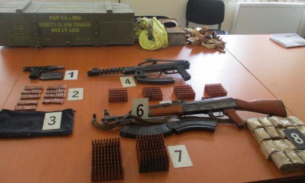 gjakovari-arrestohet-per-dhune-ne-familje,-i-konfiskohen-edhe-arme