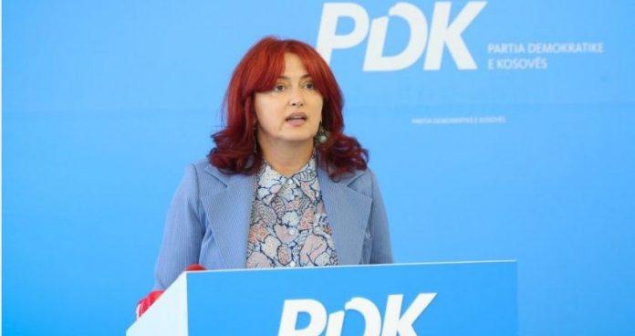 eliza-hoxha:-besnik-bislimi-ka-votuar-ne-qeveri-per-emerimin-e-nipit-te-tij-ne-kshc