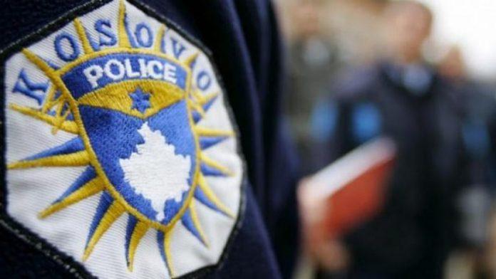 policia-ndalon-nje-veture,-i-gjendet-arme-zjarri-22-vjecarit