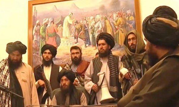 talebanet-nga-pallati-presidencial:-kush-ka-punuar-me-amerikanet-nuk-do-ti-vrasim