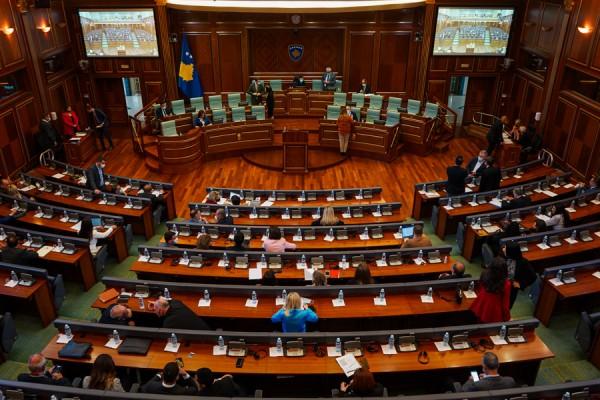 te-henen-nis-sesioni-vjeshtor-i-kuvendit,-kerkohen-sanksione-ndaj-deputeteve-qe-mungojne-ne-seanca