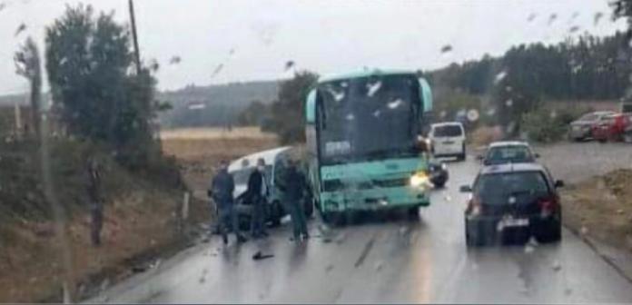 pamje:-momenti-i-aksidentit-mes-vetures-dhe-autobusit-ne-kline